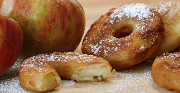 "Easy Apple ""Doughnuts"""