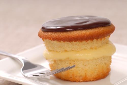 Boston Cream Pie Cupcake